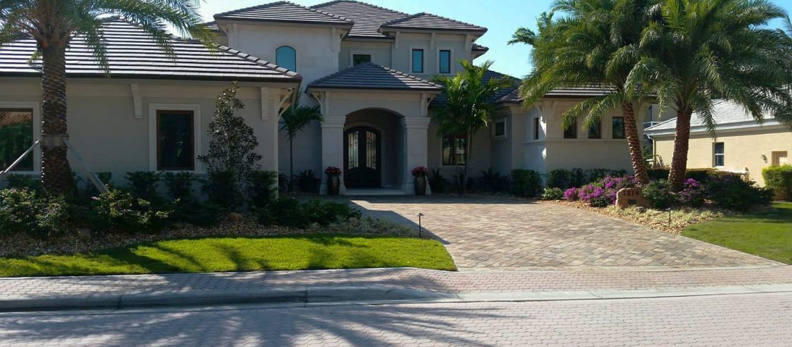 Curb Appeal With Front Yard Landscaping
